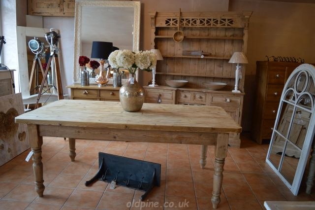 gorgeous scrub top farmhouse reclaimed pine table - WWW.OLDPINE.CO.UK ~ Suppliers Of All Types Of Old, Antique, Hand