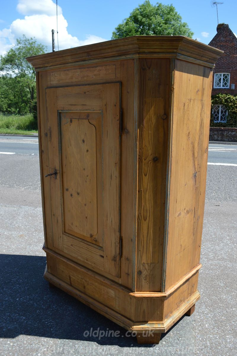 ... period antique pine cupboard Stock ref W3948 oldpine.co.uk - WWW.OLDPINE.CO.UK ~ Suppliers Of All Types Of Old, Antique, Hand